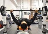 中部・スポーツジムで・・・(^^♪ 現在、僕がジムで運動している種目です。(⌒~⌒)ニンマリ  トレーニング種目重さ ① レッグプレス
