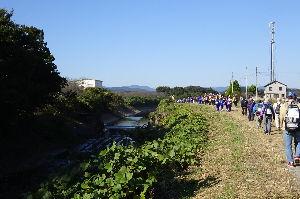 奥武蔵、奥秩父の好きな人集まれ! 【スリーデーマーチに参加して来ました】 11月4日、iwasaさんと東上線車内で合流、東松山の中央会
