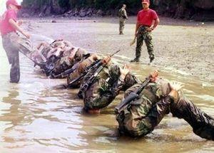 日本から「戦争」を無くすためには・・・ 君も、征くのだ!!!      (朝鮮日報日本語版) 韓国軍:国外永住権者の入隊が10倍に、そのワケ