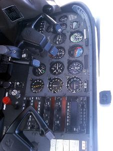 不思議な体験 セスナ機墜落!・・で思い出した・・グアム島で四年前に操縦した。離陸時500メートル程上昇中このくらい