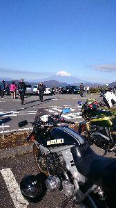 刀 元気ですか! 箱根大観山に行って来ました。芦ノ湖は大渋滞していました。富士山が綺麗でしたね。