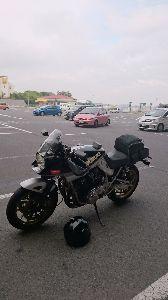 刀 元気ですか! 先日、0泊3日の弾丸ツーリングで東京ー福岡を往復して来ました。 写真は壇ノ浦パーキング!