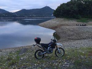 愛知県尾張発! 林道仲間募集 少し前の いつもの池、絶賛渇水中でした。(農業用水の為の池なのでこの時期は当たり前なのですが)