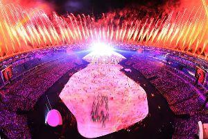 いろいろなスポーツについてのひとりごと。 開会式が行われたリオデジャネイロオリンピック。 最後の聖火ランナーが注目されてましたが、アテネ五輪男