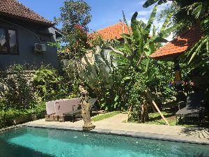 5233 - 太平洋セメント(株) プールでのんびり… ゲストハウスだから割りとお安くいい部屋に… アドバイ