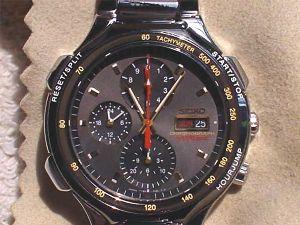 時計あれこれウンチク語ります! 私はクロノグラフウォッチマニアです。 当初大枚はたいて、セイコーのスピードマスターを買いました。 今
