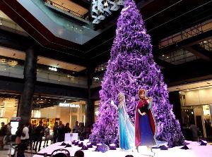 第2の人生を楽しみましょう・・・ 先日、グランフロント大阪付近をぶらぶらしました。 まだ11月なのにグランフロントでは、クリスマスモー