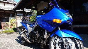 静岡でバイク乗り みなさん、こんにちは😉 やや久しぶりの書き込みです。  あっそうそう、遅まきながら あけましておめで
