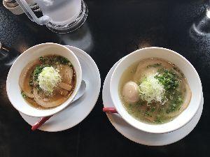 行ってきました、食べてきました、買ってみました お気に入りの The noodlebar MORIZUMI 再び。 塩麹らあ麺、最高です〜 左は醤油
