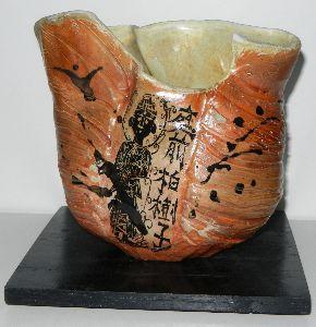 「陶芸教室何でも相談室」パートⅡ コンニチワ。。。最近、薪窯と転写にハマってます・・・ 薪窯焼いた作品に、モデファイした、棟形志功の版