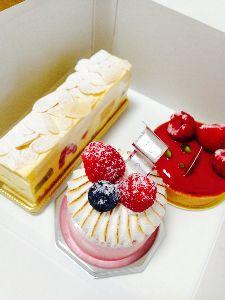 ケーキでも食べに行きましょ〔女性同士のお茶友作りませんか〕 ピエールプレシューズ✨  友達が遊びに来てたので、あちこち好きなお店を紹介してきました。