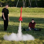 火薬で飛行するモデルロケットを飛ばそう
