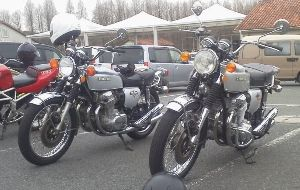 福岡県リターンライダー仲間 今日は、珍しいバイクに遭遇しました。