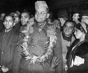 蓮舫 アジアにおける日本と大東亜戦争    1945年(昭和20)8月18日、台湾の台北空港で「天皇陛下と