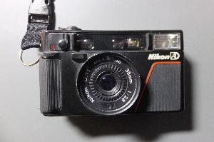 フィルムカメラ(マニュアルフォーカス)がカッコいい! demoさん  NIKON AD L35の5枚玉は良く写ります。友人が500円のジャンクを手にスナッ