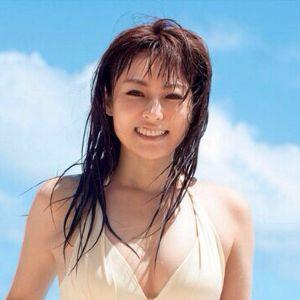 男好きする顔立ちをした女優、歌手、アイドル。 深田恭子さんかな