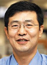 安倍政権はあまり浮かれてはならぬ ソウル中央地検は、朴槿恵(パククネ)大統領の名誉を傷つけた疑いがあるとして、産経新聞ソウル支局長に対