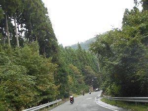 兵庫わびさびの道 弐 今晩は らくちゃんデス、 写真:日吉ダム 通過後 バイク組。