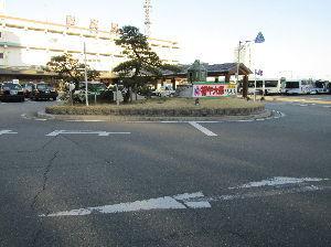傘寿の坂を越えて・・・ お久しぶりです。2~3年前松阪より投稿されていましたね。 私も1930年生まれ時々松阪へ出かけますよ