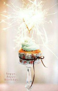 唯一無二のボクを探し続けて おめでとう♪  あなたの  今日が 楽しい一日でありますように。  あなたの 新しい一年が幸せであり