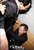 松井の国民栄耀賞は如何思うか? 一つは、開港期の35年間と植民地期の35年間を比べて見ると、開港期には朝鮮王朝の専制主義のため朝鮮人