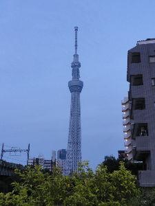 スカイツリー・押上・錦糸町・浅草・墨田・・・ 3年前のスカイツリーの写真がありました ちっとも面白くない(爆) 当日は曇りだったようですね