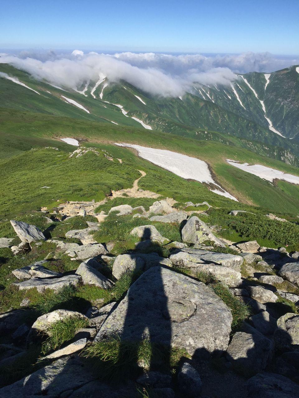 ストップ高とオンリーワン銘柄で今日も良い一日を! チョット前に行った 東北アルプスと言われる 飯豊連峰!