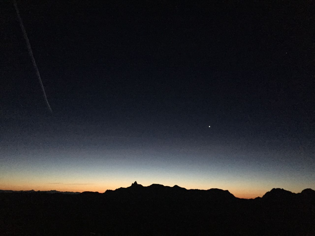 ストップ高とオンリーワン銘柄で今日も良い一日を! 白馬鑓温泉の夜空
