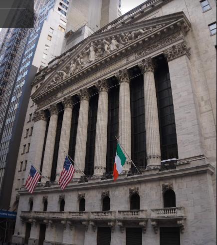 8306 - (株)三菱UFJフィナンシャル・グループ NY証券取引所です。願掛けに写真を貼らせてくださいね。911メモリアルに行った後、ここにもお参りいっ