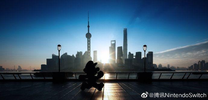 7974 - 任天堂(株) 【 任天堂連携Weiboに「彼」の写真♪ 】  「彼」が上海にやって来た、という1文と共に1枚の写真
