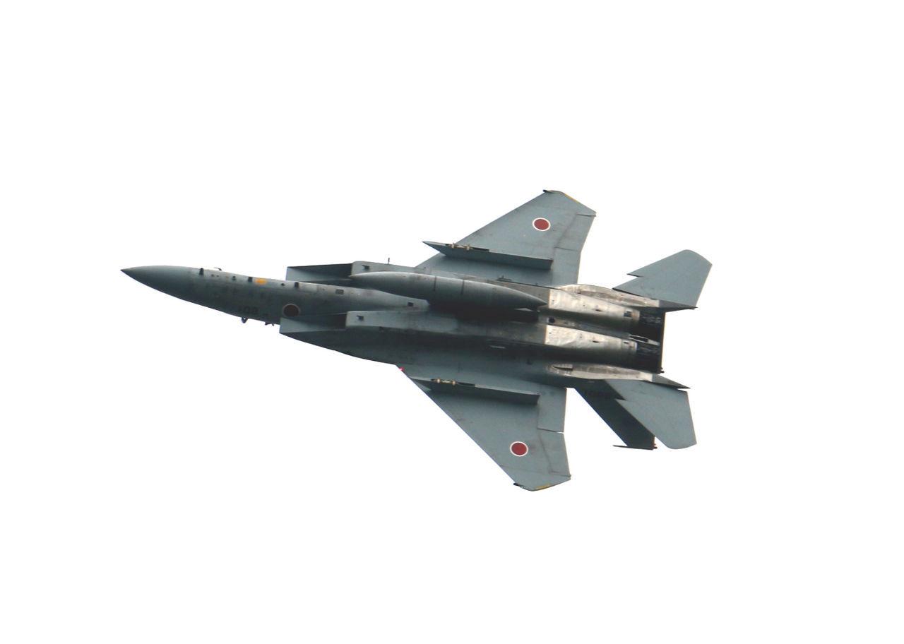 東京電力 曇天で写りがいまいちだけど、本日私が撮影したF15戦闘機。 画像を2回クリックすると最大画像で見られ
