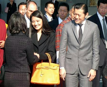 7011 - 三菱重工業(株) 私がブータンを知ったのはブータン国王の来日だった。 日本人に瓜二つ、そして懐かしい友人にあったような