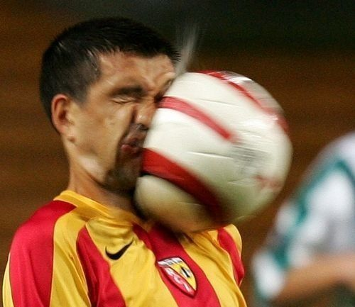 思わず吹いたサッカー画像