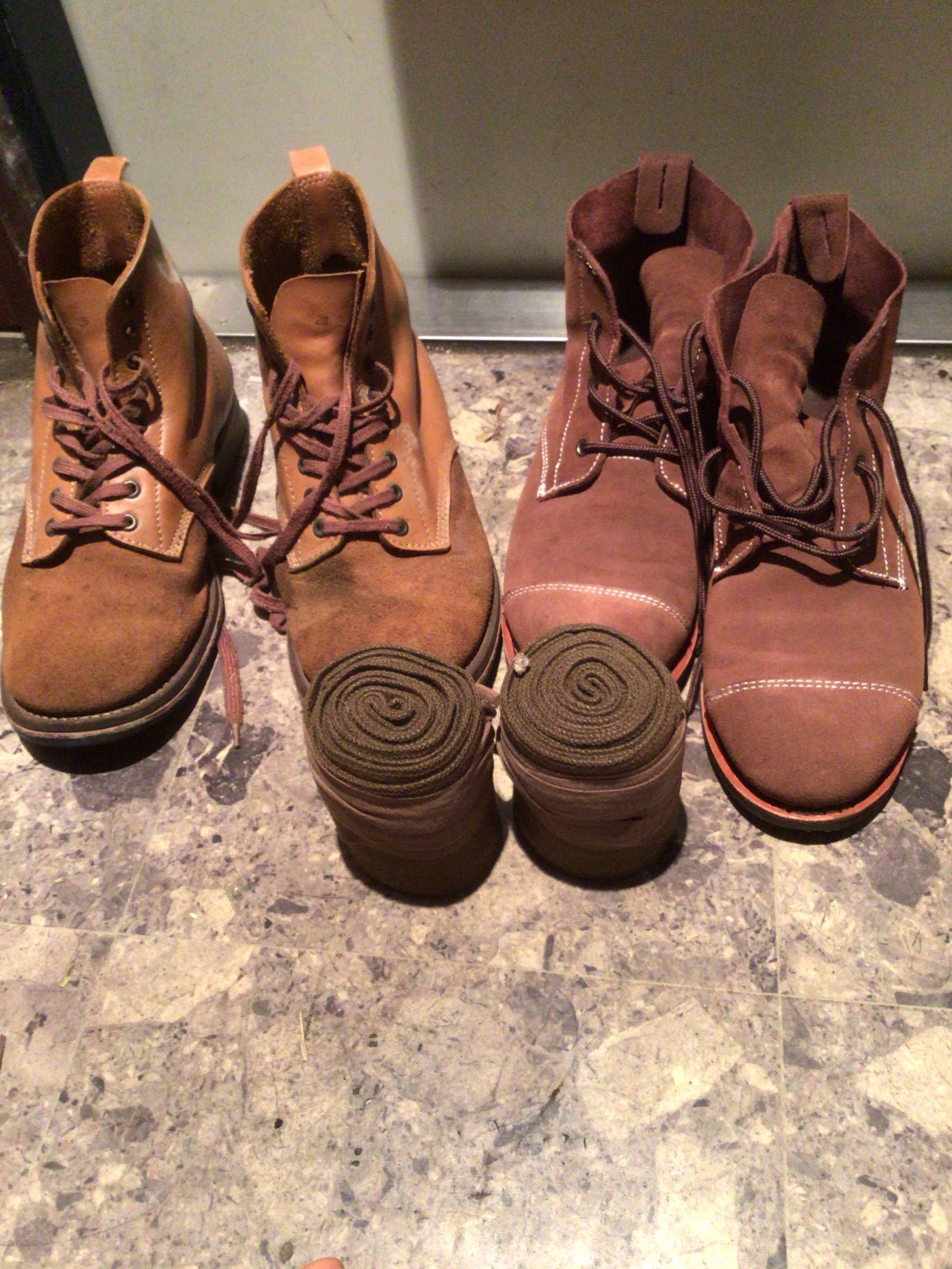 パンダ王国2nd サバゲに憧れる人間に我が軍のフットギアを見せてやろう。 左側は10年近く前に買った旧式。硬くて重く靴