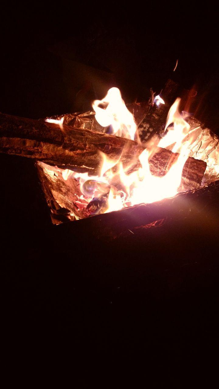 貴方の心 元気ですか? こんばんは~  だんだん焚き火も上手になってきてるかしら? 憧れてたキャンプ場 高速使っても4時間強