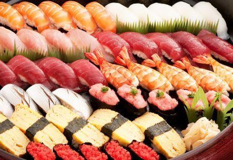 9828 - 元気寿司(株) 小増寿司は回らないので安心です。 今日もコロナに負けず一生懸命営業しております。