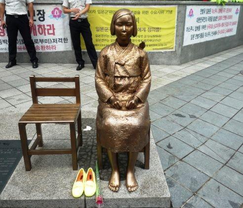 韓国 慰安婦像 どう思う?