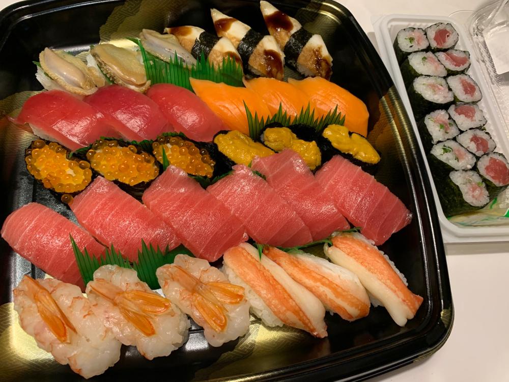 9973 - (株)小僧寿し やっと小僧寿しのお寿司買えました!  家の近くに無くて車で50分くらいかけて買いに行きました。  1