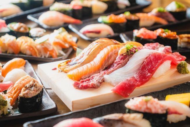 9973 - (株)小僧寿し みなさん、小増寿司たらふく食ってスタミナつけてウイルス撃退してください。 今日も皆さまの為に握りまく