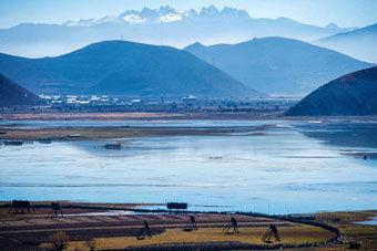 1552 - 国際のETF VIX短期先物指数 ◎新疆ウイグル自治区を漢民族で支配して、その後チベット自治区も漢民族で支配するでしょう。本来の目的は