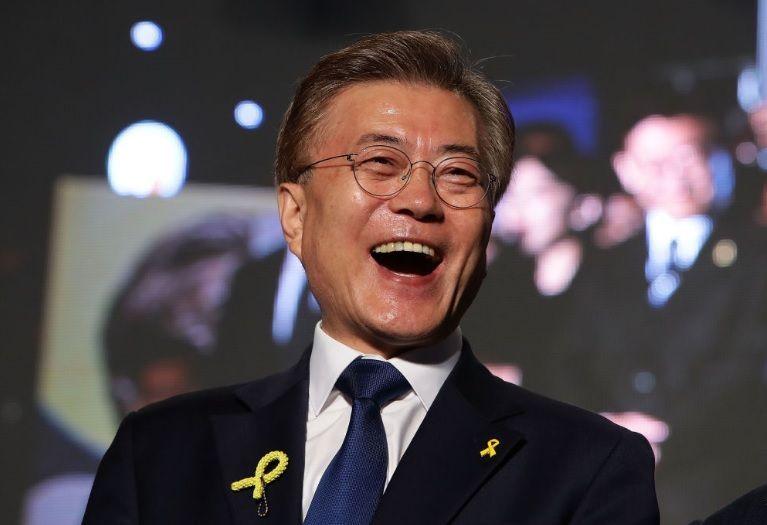 998407 - 日経平均株価 韓国・文大統領の支持率51.8% 8か月ぶりの最高値 ( ゚∀゚)o彡゚ムンちゃん!ム