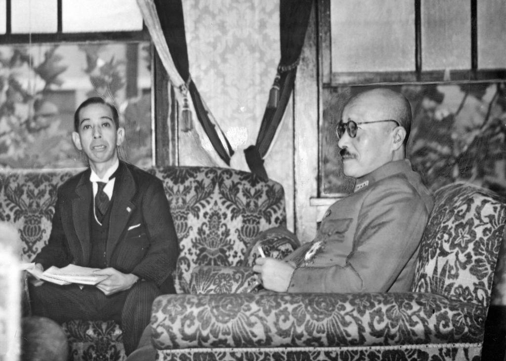 4755 - 楽天グループ(株) 憲法に緊急事態条項ができると、日本は中国や北朝鮮と同じ独裁国になります。 写真は、旧陸軍・東條英機首