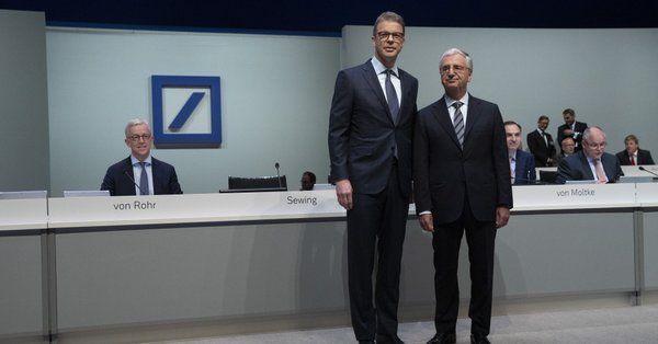 投資と投機 ゼービングCEO(左)とアハライトナー会長(右、5月23日)bloomberg  ドイツ銀が株式トレ
