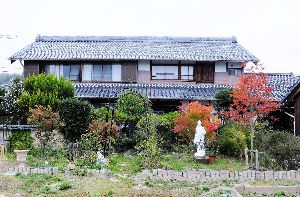 長野県が大好きです。 少し時間が出来るように成ってきました。  紅葉は我が家が綺麗になってきました。  お元気でお過ごしで