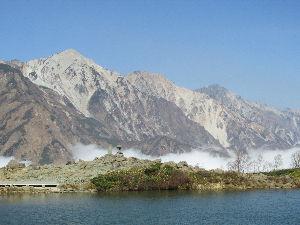 長野県が大好きです。 行ってきました  今回はいくつか行ってみたい所が有りまして そこいらを巡ってきました  まず一つ目は