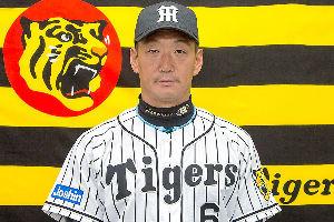 靖国参拝を賞賛するバカな国民 日本プロ野球のチームであることを語りながら このひとは まだ靖国神社を参拝したことがなさそうです。