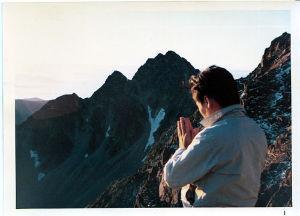茶房 談話室・城 今日は 毎日リハビリ 大変ですね  無理なく頑張ってください  白樺の木 上高地から穂高山に登るとき