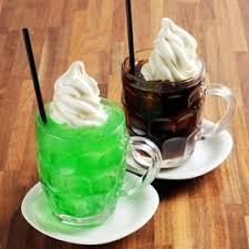 茶房 談話室・城 梅雨の前って 気候的にも 暑くもなく 涼しくもなくて 過ごしやすくて 一番好きな 季節です、。