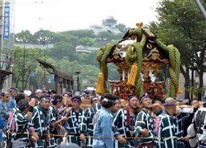 熊本城 歴史の1ページ。今だから見に来て欲しい!! 熊本城を訪れる多くの観光客が次に訪れるのが城内にある加藤神社です。 加藤清正公を主神としてお祀りして