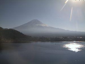 分かち合い♪ めっきり寒くなりましたね。        今日の富士山寒そう   ↓